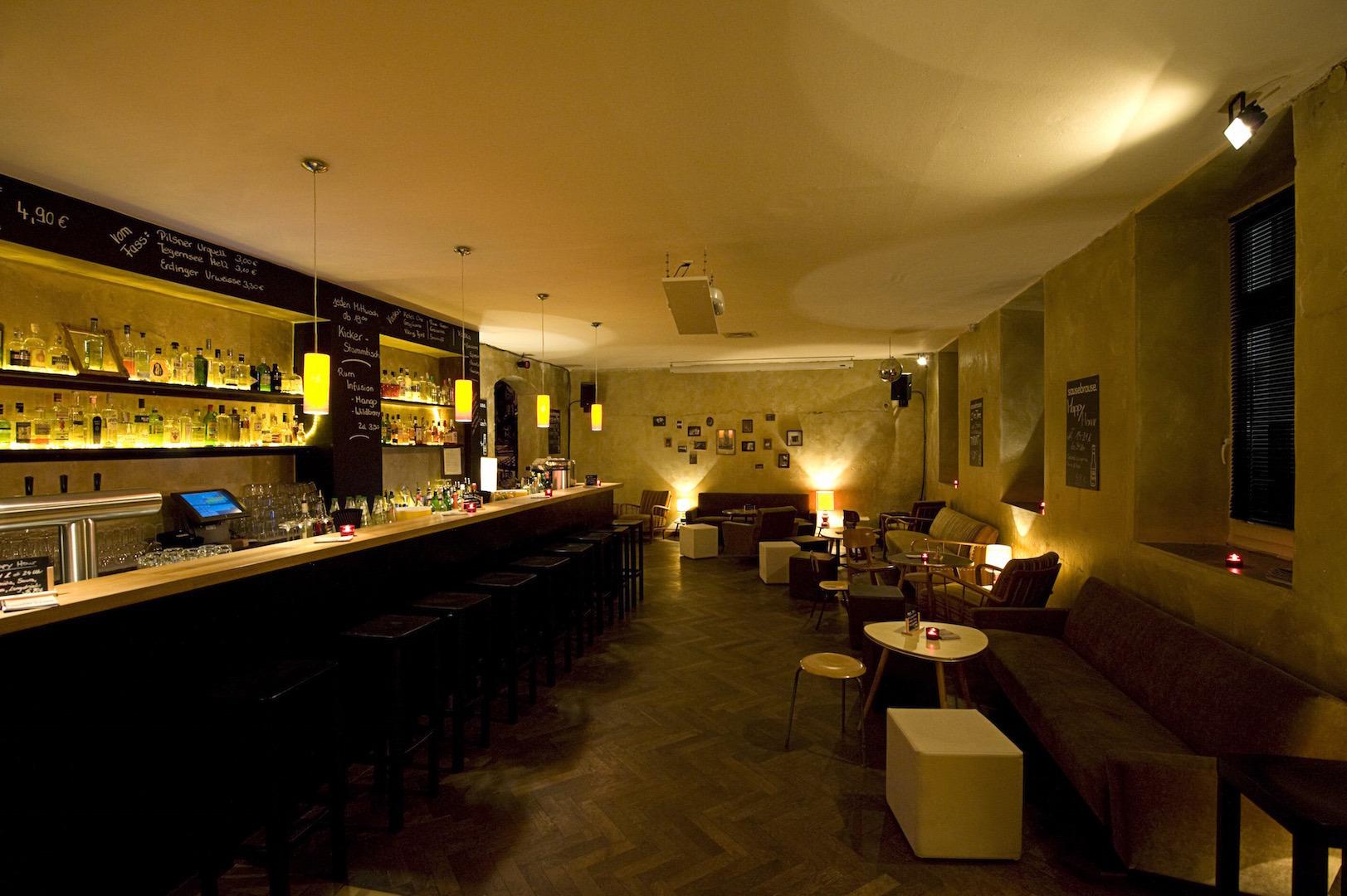 nightlife in m nchen. Black Bedroom Furniture Sets. Home Design Ideas