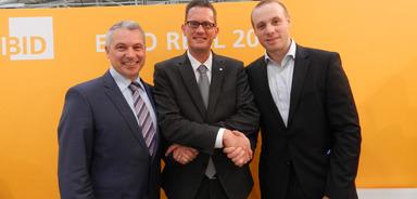 Sie haben auf der Expo Real die Kooperation vereinbart: Ronald Bosch (smmove-Vertriebsleiter), Tobias Innig (EBZ-Marketingleiter) und Alexander Kanellopulos (smmove-Geschäftsführer).