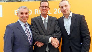 Sie haben auf der Expo Real eine Kooperation vereinbart (v.l.n.r.): Ronald Bosch (smmove-Vertriebsleiter), Tobias Innig (EBZ-Marketingleiter) und Alexander Kanellopulos (smmove-Geschäftsführer).