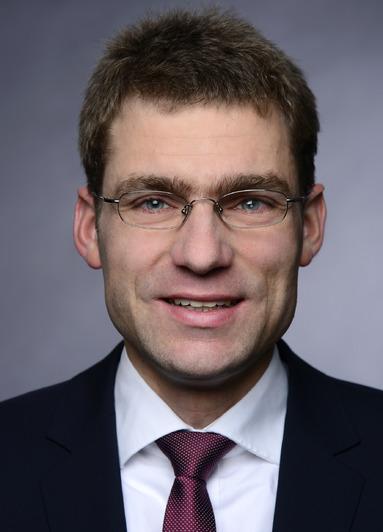 Dr. Felix Schindler.