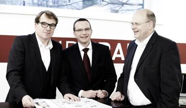 Das Vorstandstrio der Undkrauss Bau AG: Thorsten Krauss (CEO), Johannes H. Klemm (CFO) und Stefan Schwier (COO) (v.l.n.r.).