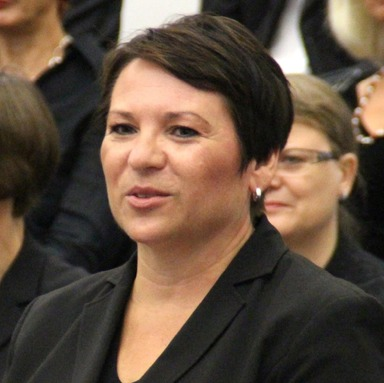 Brigitte Adam ist ausgebildete Sopranistin. Dieses Foto wurde im September 2015 anlässlich des Festaktes zum 10-jährigen Jubiläum des Hauses der Chöre in Frankfurt aufgenommen.