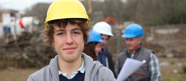 Bauarbeiter sollen 5,9% höhere Löhne erhalten. Auch Auszubildende sollen mehr Geld in der Lohntüte vorfinden.