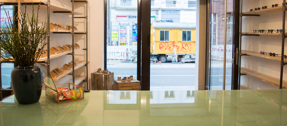 Temporärer Kerbholz-Laden in Berlin-Mitte (Münzstraße 11c). Bild: Kerbholz