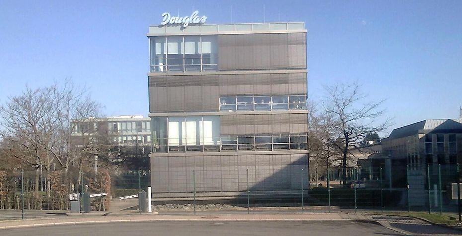 Douglas Zieht Nach Düsseldorf