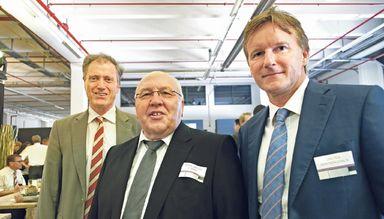 Dieter Berninghaus (r.) mit Migros-Chef Dieter Bolliger und Depot-Geschäftsführer Hans-Dieter Christ (Mitte).