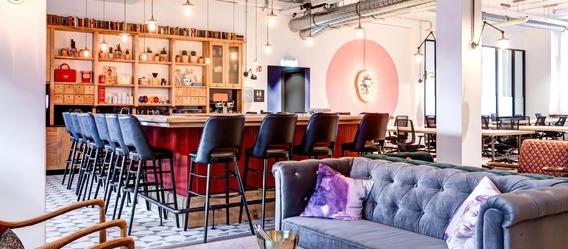 Bar Wohnzimmer Wien : Eine Mischung aus Wohnzimmer, Bar und Büro ...