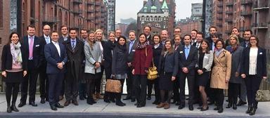 Die Teilnehmer des jüngsten und komplett ausgebuchten Ream-Kurses der Irebs in Hamburg.