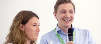 Die beiden Junior-Projektentwickler Sonja Tünnissen und Jonathan Berlipp stellten auf dem IZ-Karriereforum ihren Beruf vor.