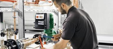 Vor allem in der technischen Gebäudeausrüstung sind viel mehr vakante Positionen zu besetzen als vor einem Jahr.