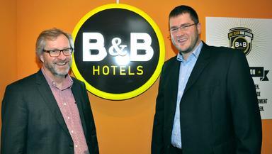 B&B-Deutschlandchef Mark Thompson (links) scheidet zum Jahreswechsel aus, Development-Chef Max Luscher beerbt ihn.
