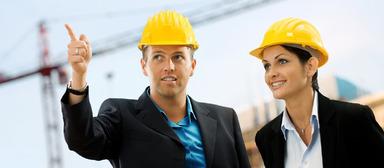 Architekten starten laut einer Auswertung eines Gehaltsportals nach der Uni mit gut 33.000 Euro ins Berufsleben.