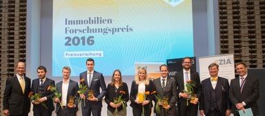 Die strahlenden Sieger des gif-Forschungspreises 2016.