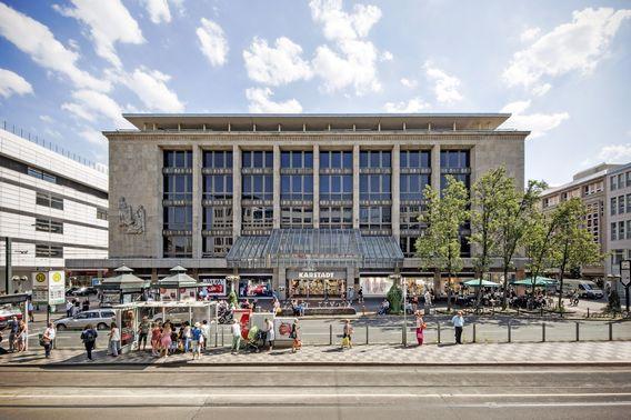 CBRE kauft Karstadt-Objekte