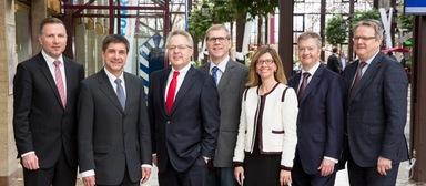 Der neue Gefma-Vorstand (v.l.n.r.): Rainer Vollmer, Prof. Dr. Markus Lehmann, Vorstandsvorsitzender Otto Kajetan Weixler, Prof. Dr. Michael May, Beatriz Soria León und die beiden neuen Vorstände Martin Schenk und Oliver Vellage.