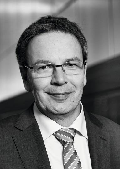 Hans-Peter Richter.