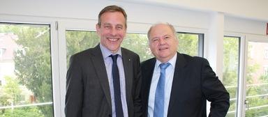 Robert an der Brügge und sein designierter Vorgänger Gerhard A. Burkhardt.
