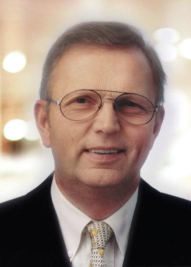 Hermann Dodenhof.