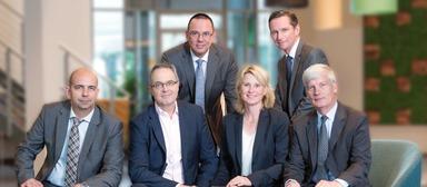 Gruppenbild mit Dame (v.l.n.r.): Tarik B'shary, Laurent Picheral (COO von AccorInvest Global), Ralf Bombita, Andrea Agrusow, Michael Verhoff und John Ozinga.