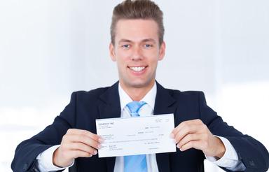 Der erste Gehaltsscheck von Berufseinsteigern mit BWL-Abschluss in der Baubranche zeigt laut einer Gehälteranalyse eine höhere Zahl als der von BWL-Einsteigern in der Immobilienwirtschaft. Jedenfalls im Durchschnitt.