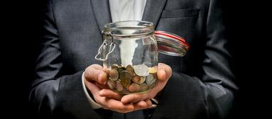 Die Hälfte der Geschäftsführer in der Immobilienbranche verdient weniger als 109.000 Euro. Das besagt zumindest die Auswertung eines Gehaltsvergleichsportals.