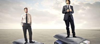 Führungskräfte aus der zweiten Reihe gehen mit höchst unterschiedlichen Gehaltspaketen nach Hause.