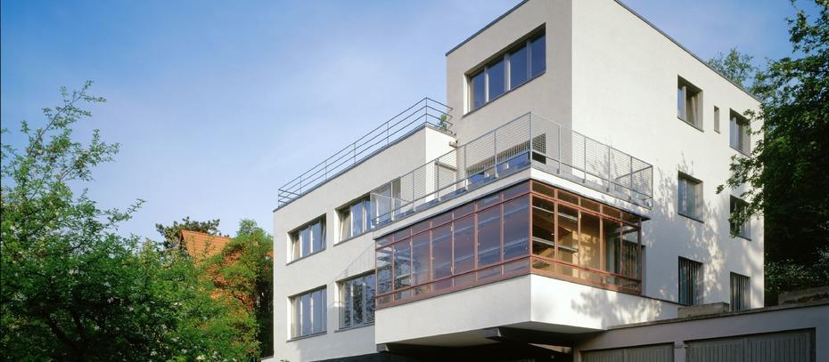ein ostdeutsches eigenheim f r 10 mio euro zu verkaufen. Black Bedroom Furniture Sets. Home Design Ideas