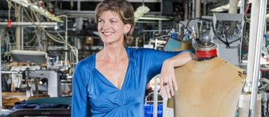 Katharina Starlay lässt Maßanzüge für Männer in deutscher Produktion fertigen.
