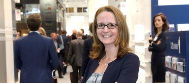 Headhunterin Alice Fontana im Einsatz auf der Immobilienmesse Expo Real 2017 in München.