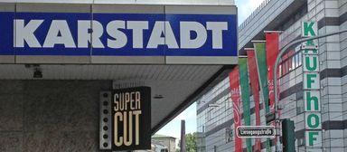 Kaufhof, Karstadt und Karstadt Sport sollen offenbar in einem gemeinsamen Unternehmen zusammenfinden.