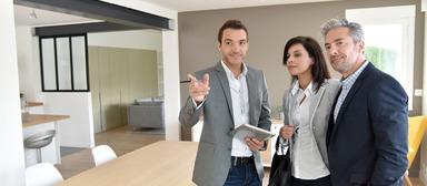 Makler und Wohnimmobilienverwalter sind ab diesen Mittwoch zur Weiterbildung verpflichtet. Verwalter müssen außerdem neuerdings nachweisen, dass sie zuverlässig sind, in geordneten Vermögensverhältnissen leben und eine Berufshaftpflicht abgeschlossen haben.