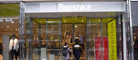 berlin bershka zieht in east side mall zara und p b nicht. Black Bedroom Furniture Sets. Home Design Ideas