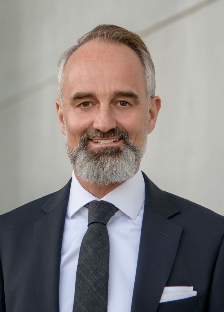 Dieter Mendl.