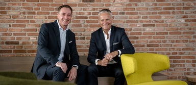 """Max Schlüter (links) und Dirk Schäfer wollen, so ihr Anspruch, """"agile Arbeitsorte"""" schaffen."""