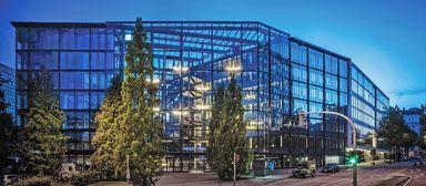 Das Bürogebäude Hanse Forum in Hamburg verwaltet HIH Property Management für Warburg-HIH Invest.