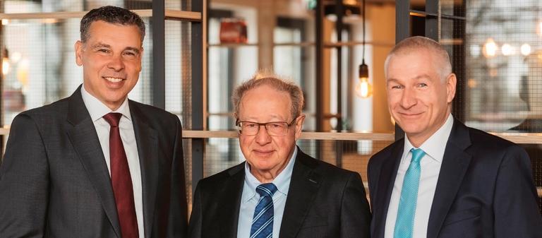 Hahn-Führung (v.l.): Thomas Kuhlmann, Michael Hahn, Jörn Burghardt.