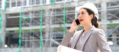 Frauen auf der Baustelle sind keine Seltenheit mehr. Viele interessieren sich für die Projektentwicklung.
