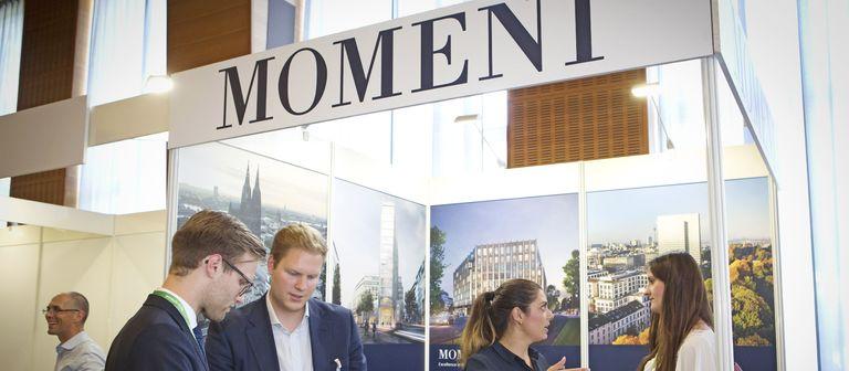 Momeni zeigt Flagge auf dem IZ-Karriereforum, einer Jobmesse für die Immobilienwirtschaft.