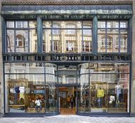 Quelle: Ted Baker