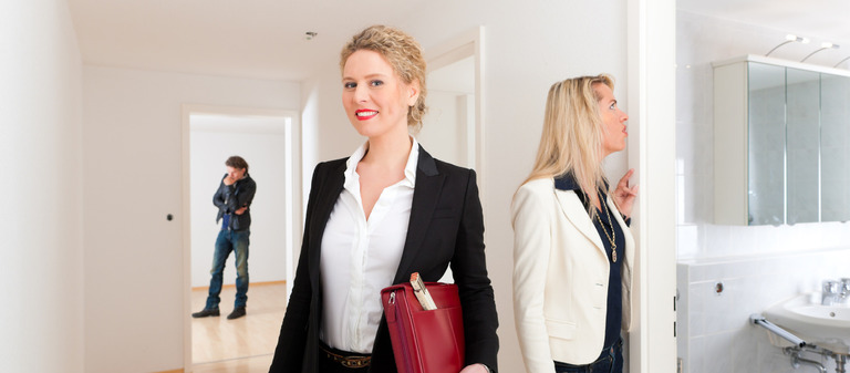 Immobilienverkäuferinnen verkaufen das Produkt Wohnung oder Büro häufig empathischer und emotionaler.