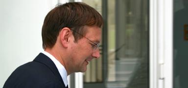 Bayerns Bau- und Verkehrsminister Hans Reichhart ist noch nicht mal ein Jahr im Amt und denkt schon über seinen Abgang nach.