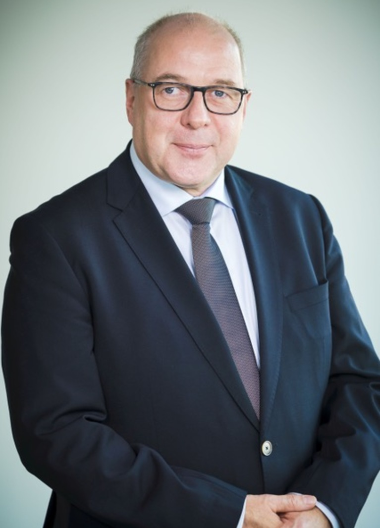 Dirk Miklikowski.