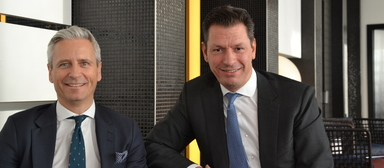 JLL-Deutschlandchef Timo Tschammler (rechts), hier neben seinem Noch-Vorgesetzten Guy Grainger, CEO Emea von JLL, nimmt sich im Frühling und Sommer 2020 eine Auszeit.