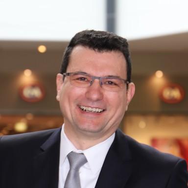 Robert Müller.