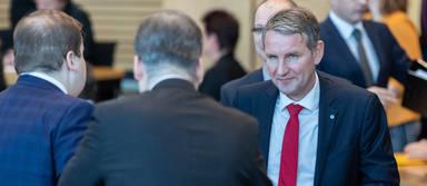 Der von Björn Höcke geführte Thüringer Landesverband der AfD darf sich über eine Großspende über 100.000 Euro des Berliner Immobilienentwicklers Christian Krawinkel freuen.