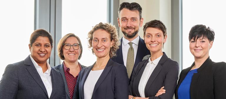 Das erweiterte Führungsteam von Cobalt Recruitment (von links): Bushra Nadeem, Christina Layer, Doreen von Bodecker, Richard-Emanuel Goldhahn, Nicole Schwan und Susanne Franke.