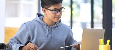Hochschulen müssen ihr Onlineangebot massiv ausbauen, um den Studenten zu ermöglichen, auch in Corona-Zeiten ihren Abschluss zu schaffen.
