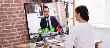Das erste Kennenlernen im neuen Job findet zurzeit oft per Videocall statt.
