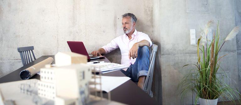 Mobil und zu flexiblen Zeiten arbeiten zu können, mache einen Arbeitgeber attraktiv, sagen die Befragten einer Wisag-Studie.