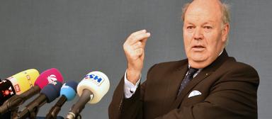 Hans-Joachim Grote ist als Innen- und Bauminister zurückgetreten.